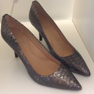 Kenneth Cole 925 pumps.  9M
